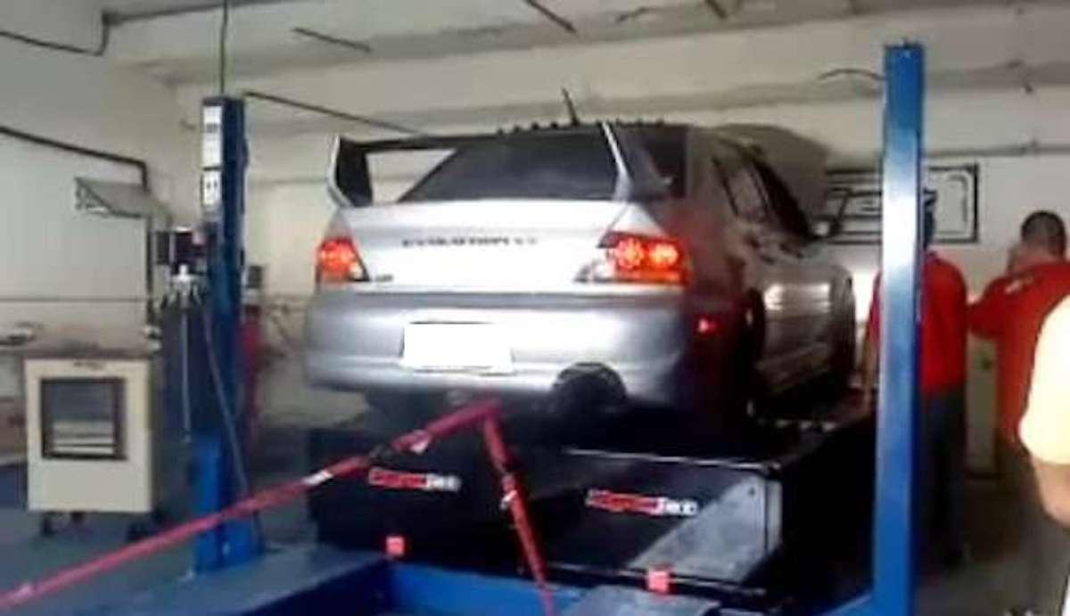 Mitsubishi Lancer Evolution (EVO) na hamowni