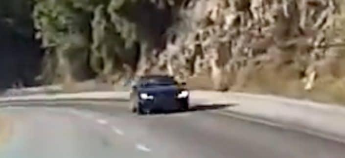 Audi A7 quattro: kierowca nie wyrobił na zakręcie