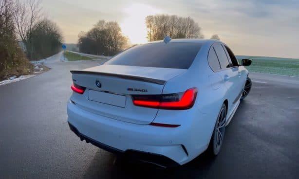 BMW M340i xDrive: białe, tył