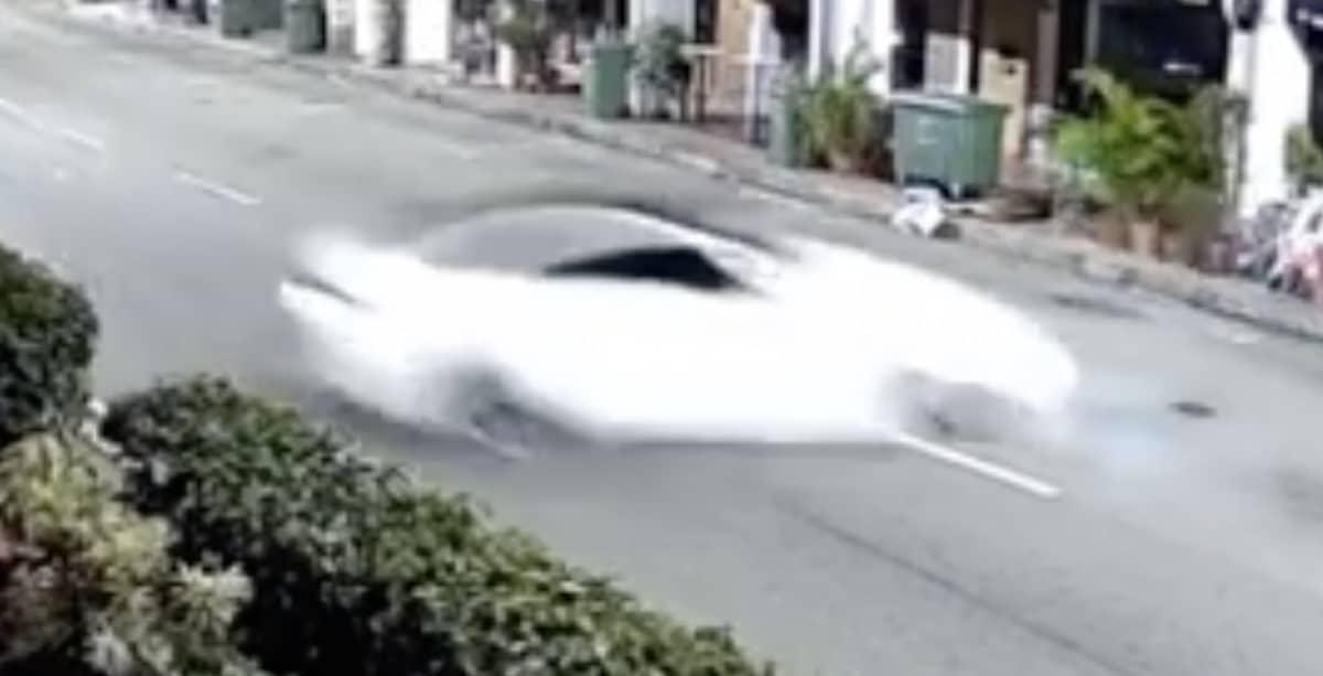 BMW M4: wypadek w Singapurze