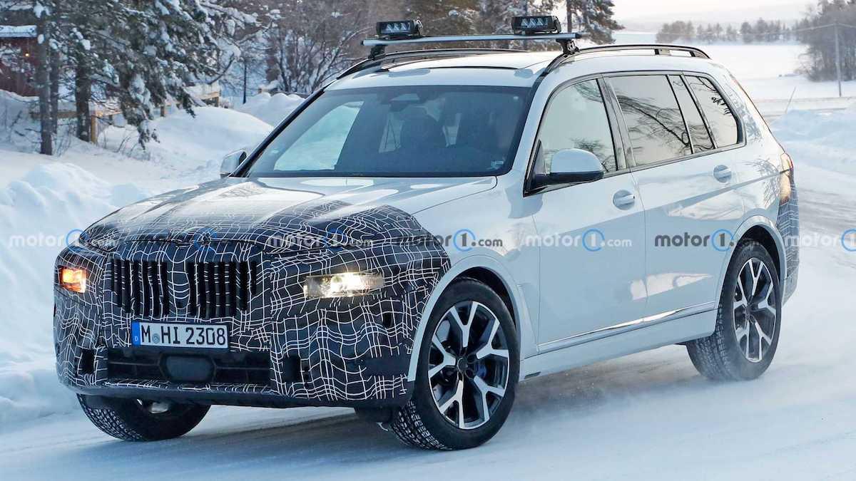 BMW X7 (2022) lifting: zdjęcie szpiegowskie