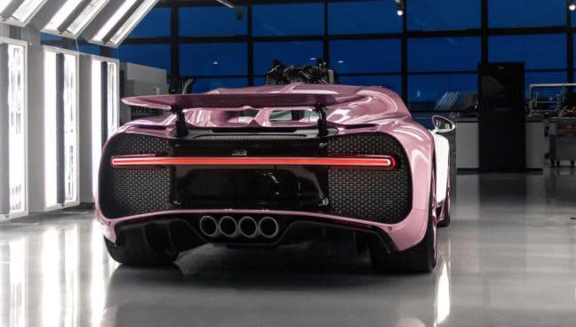 Bugatti Chiron Alice: różowe (tył)