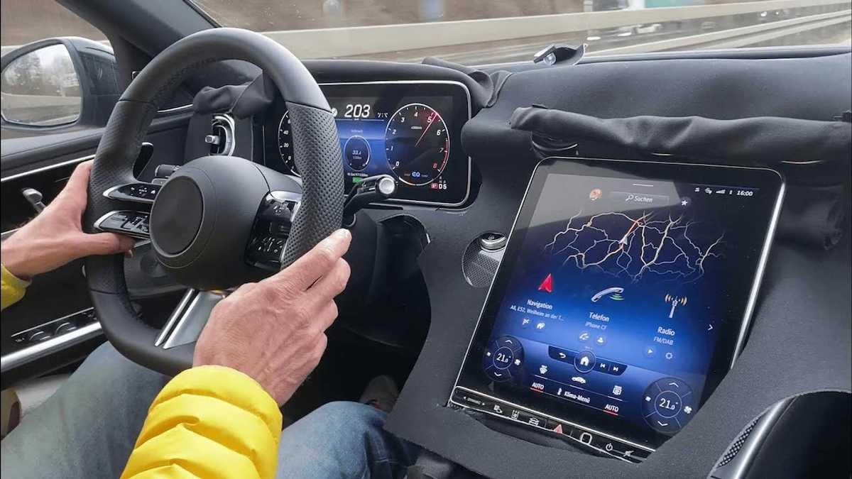 Mercedes Klasy C (2022): wnętrze prototypu