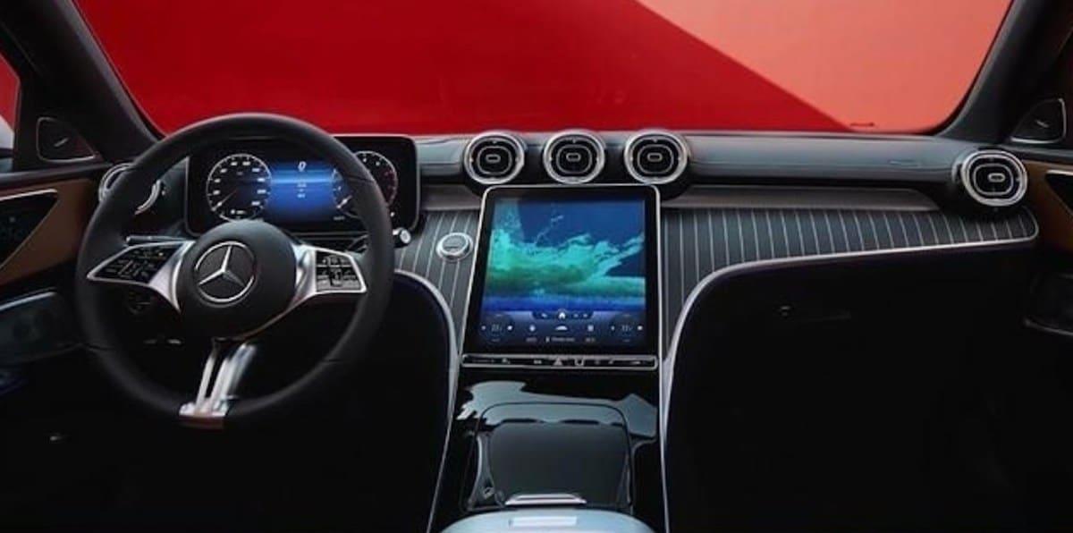 Mercedes Klasy C (W206): wyciek zdjęć, wnętrze