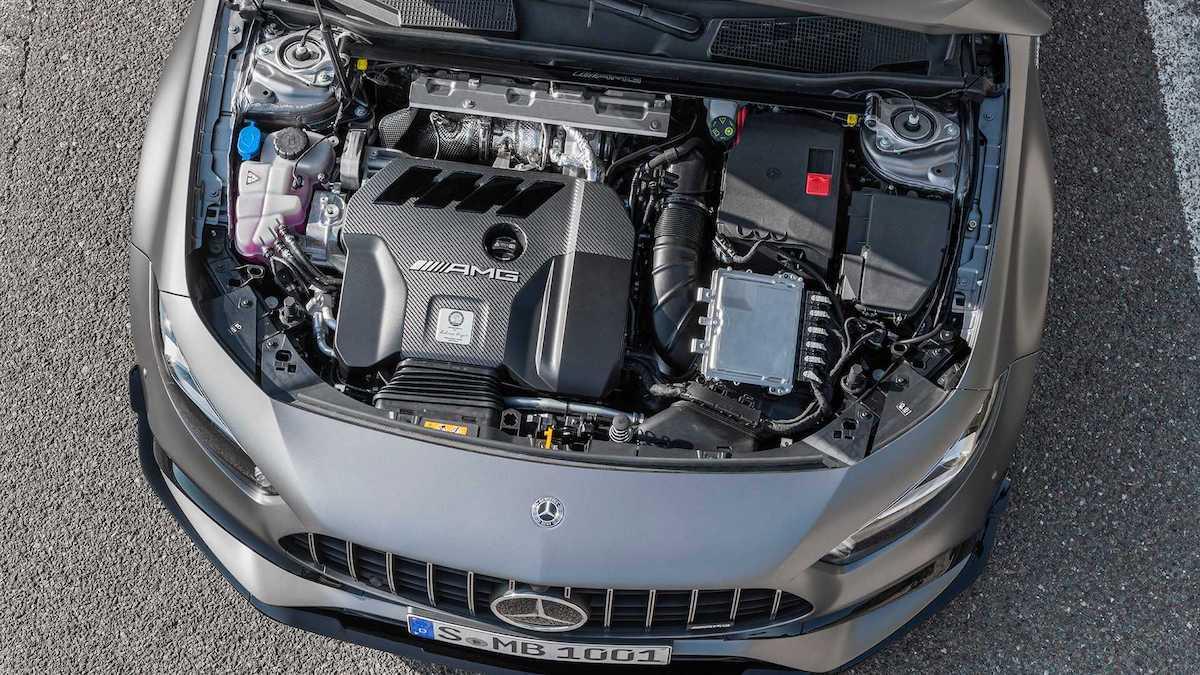 Mercedes-AMG A45 S: silnik