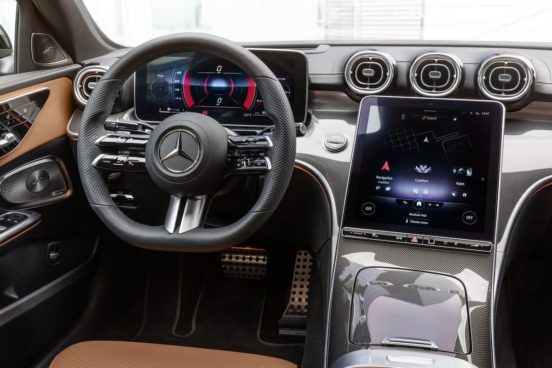Mercedes Klasy C (W206), wnętrze (wersja najbogatsza)