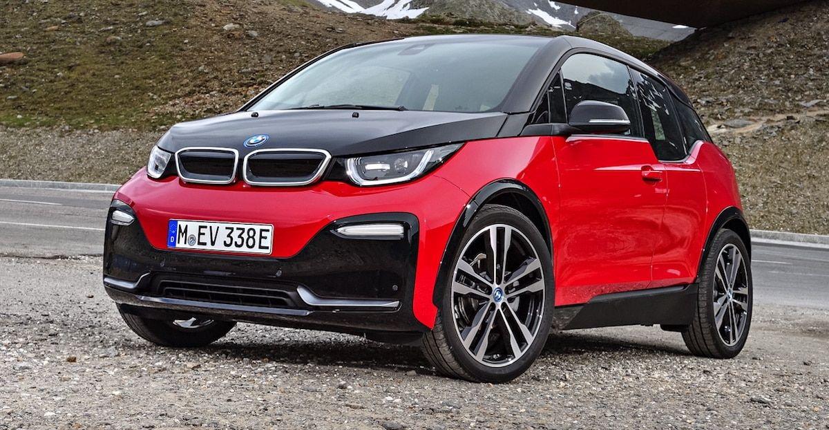 BMW I3s, czerwone