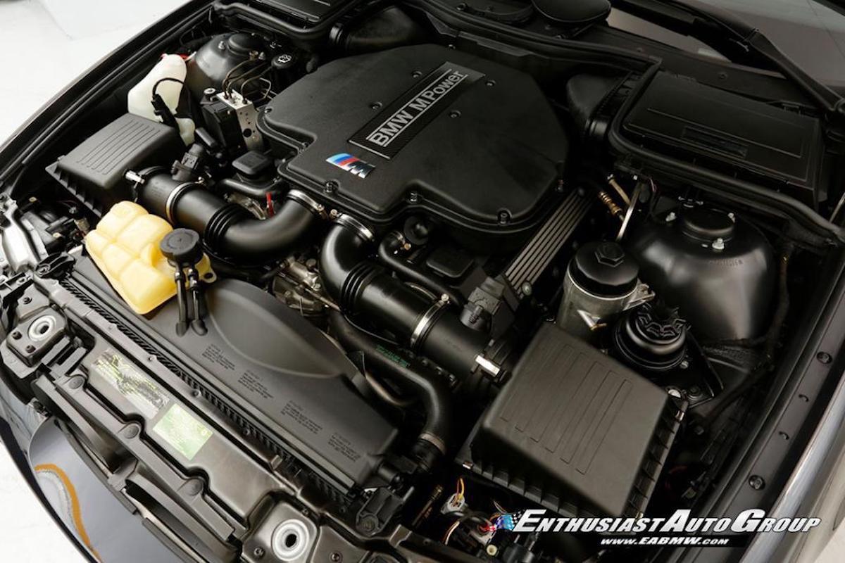 BMW M5 (E39) 2003, silnik