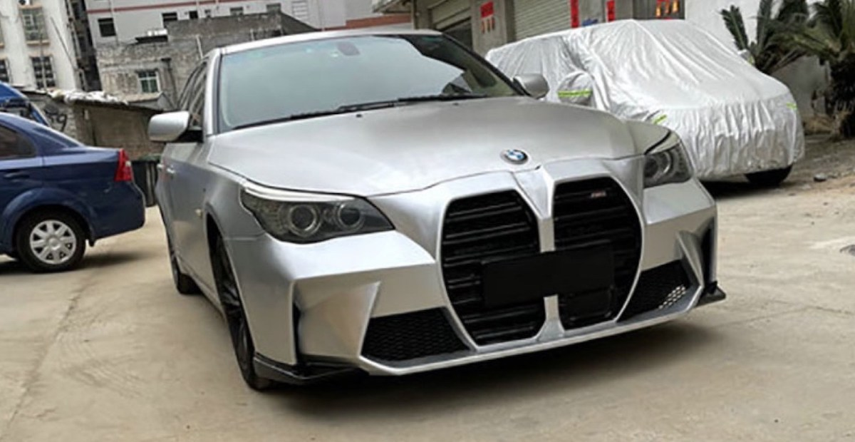 BMW serii 5 (E60) z grillem BMW M4 2021