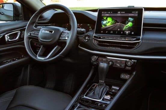 Jeep Compass (2021) lifting, wnętrze