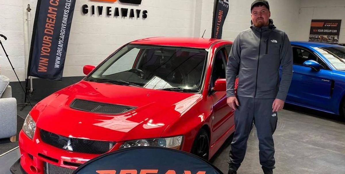 Mitsubishi Lancer Evo IX, wypadek (kolor czerwony)