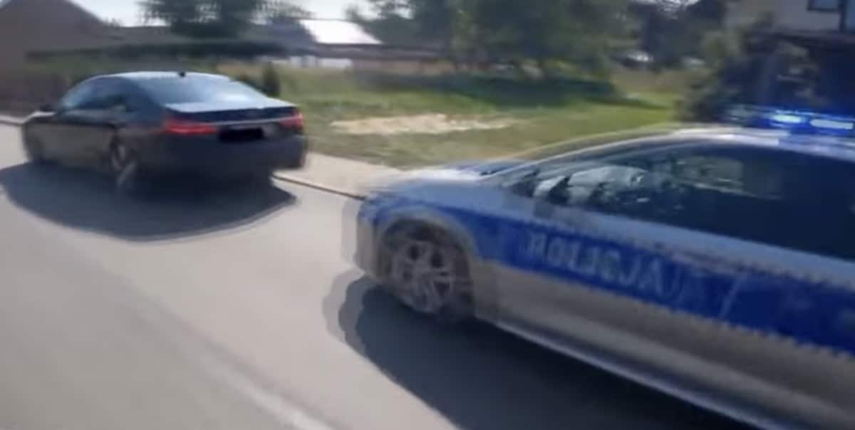 BMW 7 zatrzymane przez policje