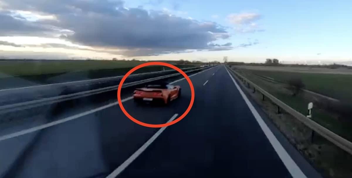 Chevrolet Corvette C7 na autostradzie