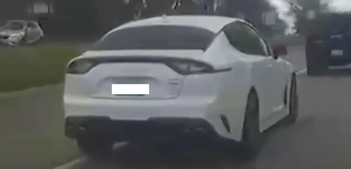 Kia Stinger 3.3 V6, biała