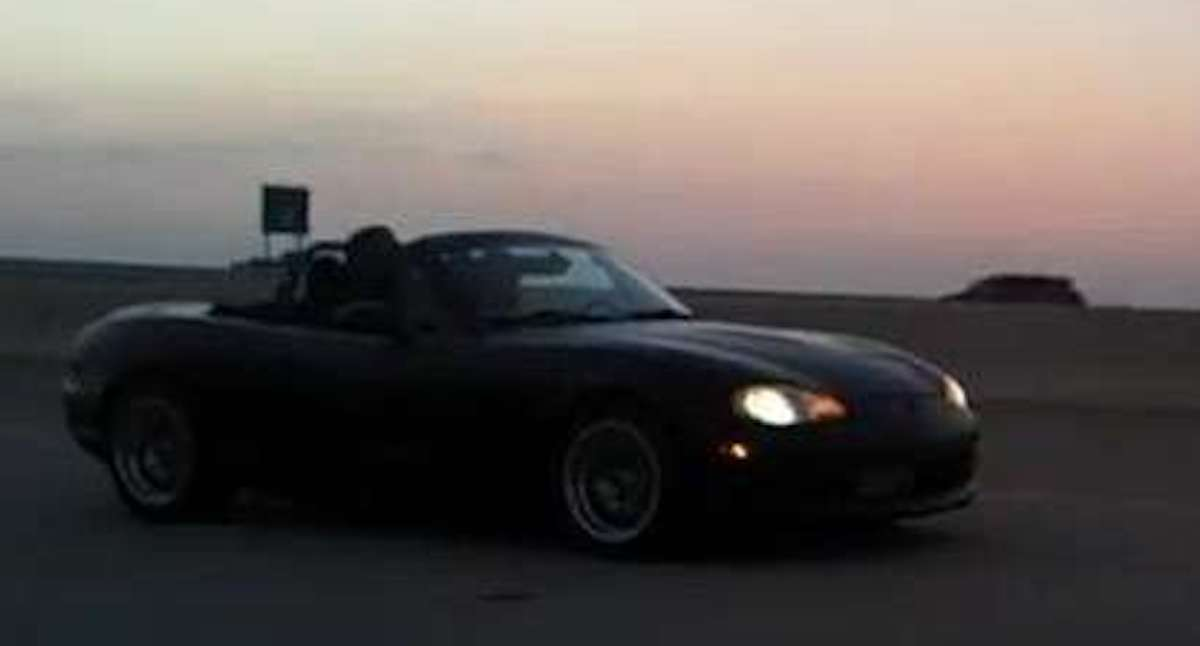BMW 325i vs. Turbo LS1 Miata