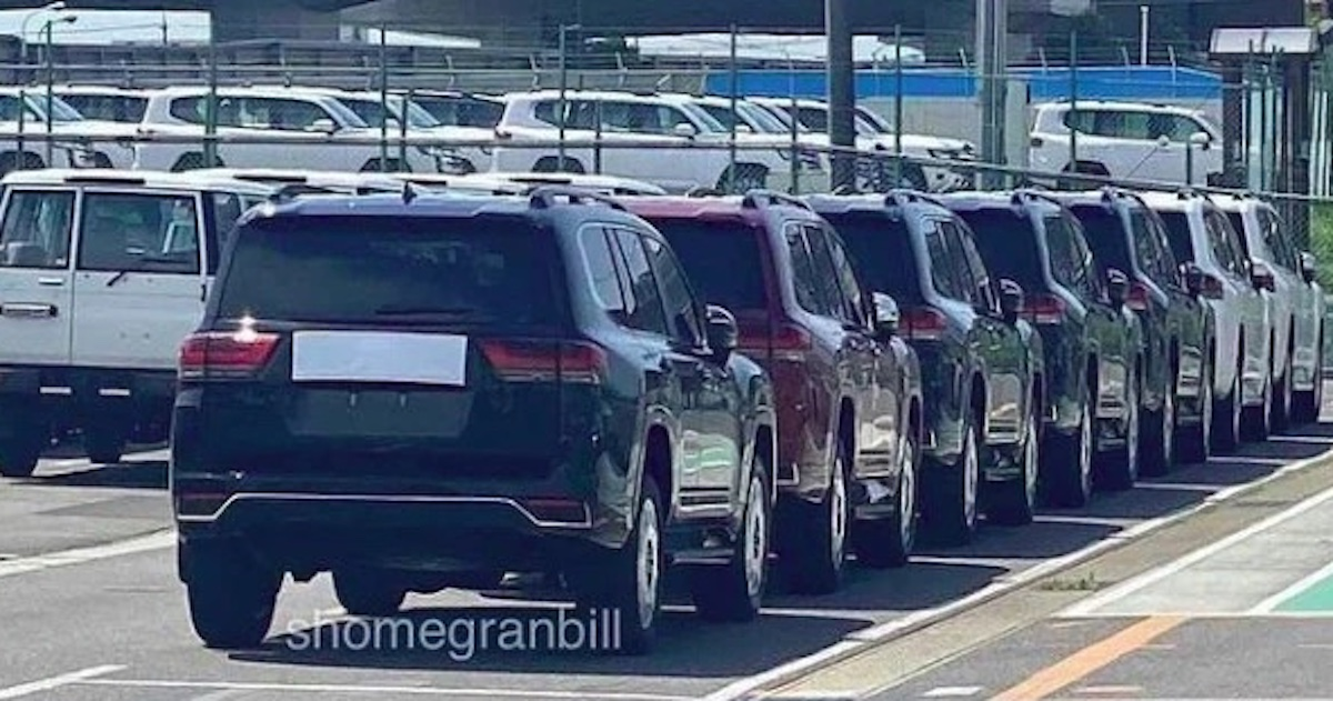 Toyota Land Cruiser (2021) bez kamuflażu, tył