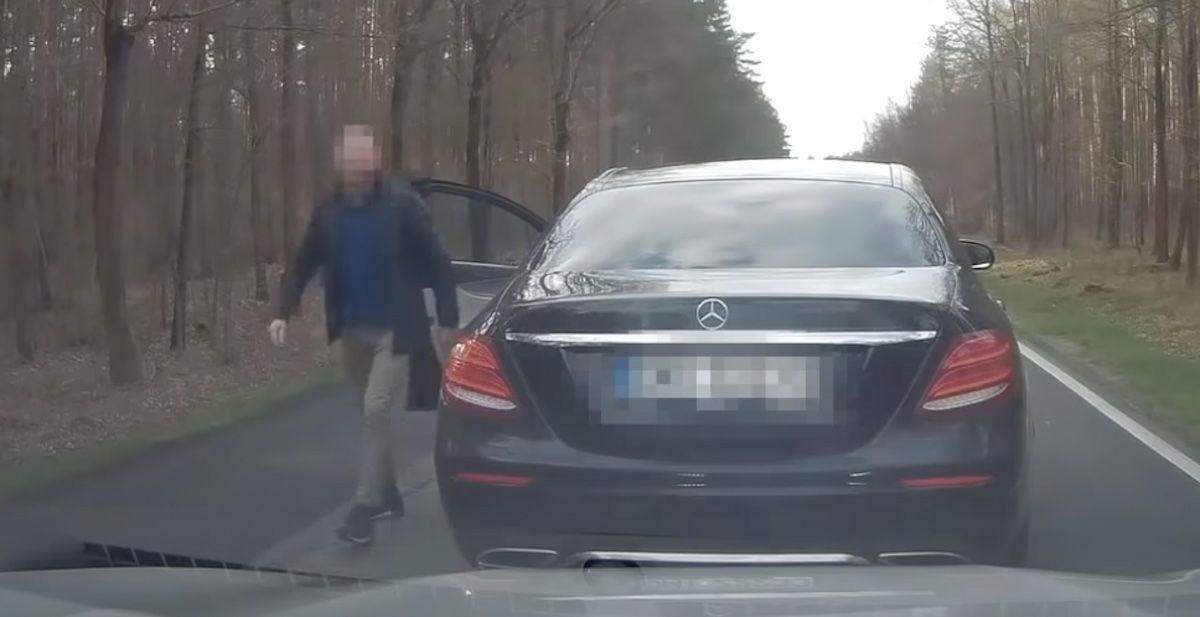 Agresywny kierowca Mercedesa