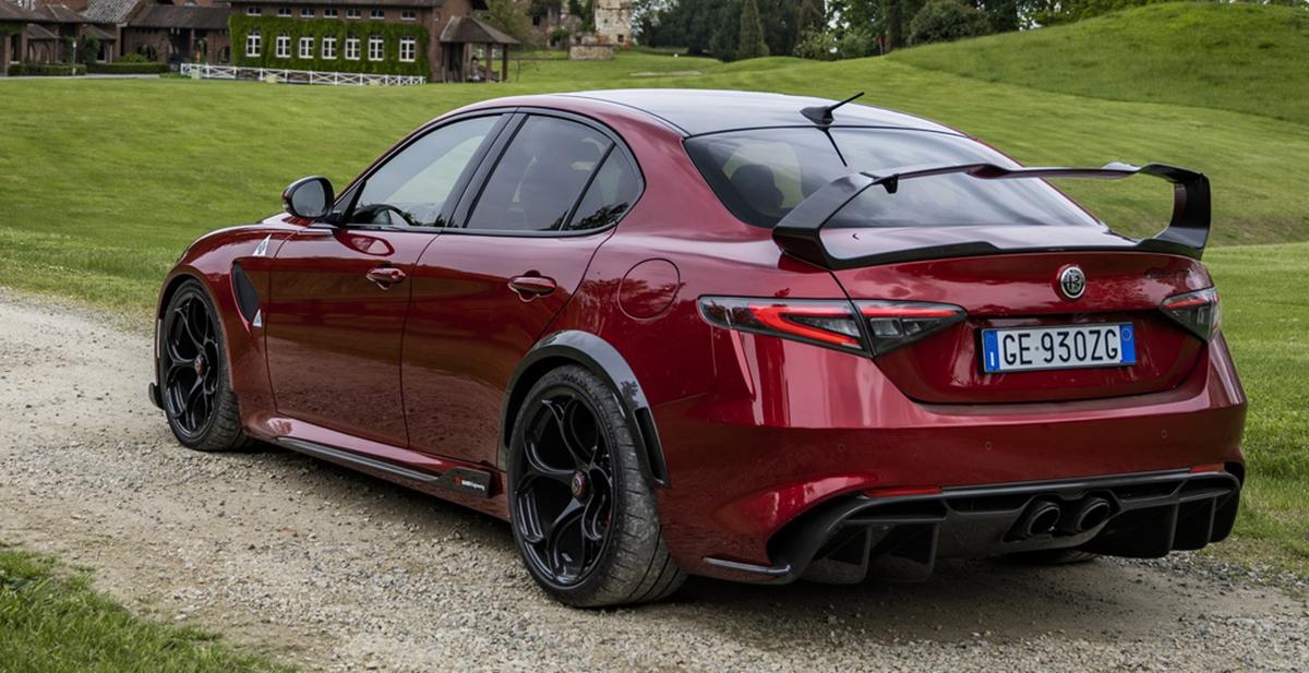 Najszybsza Alfa Romeo Giulia trafia wreszcie do Polski. Ceny sięgną nawet miliona złotych