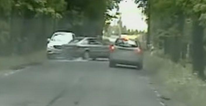 Audi 80 Opel Mokka wypadek