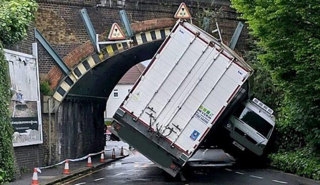 Ciężarówka tunel