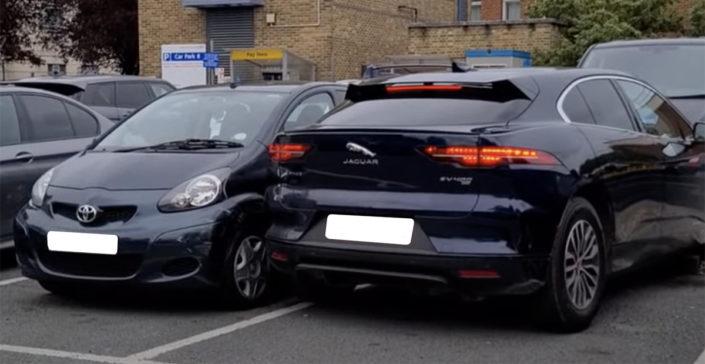 Jaguar i-pace parkowanie