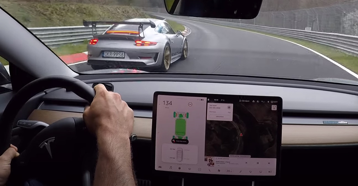 Tesla Model 3 vs Porsche 911 GT3 RS 991