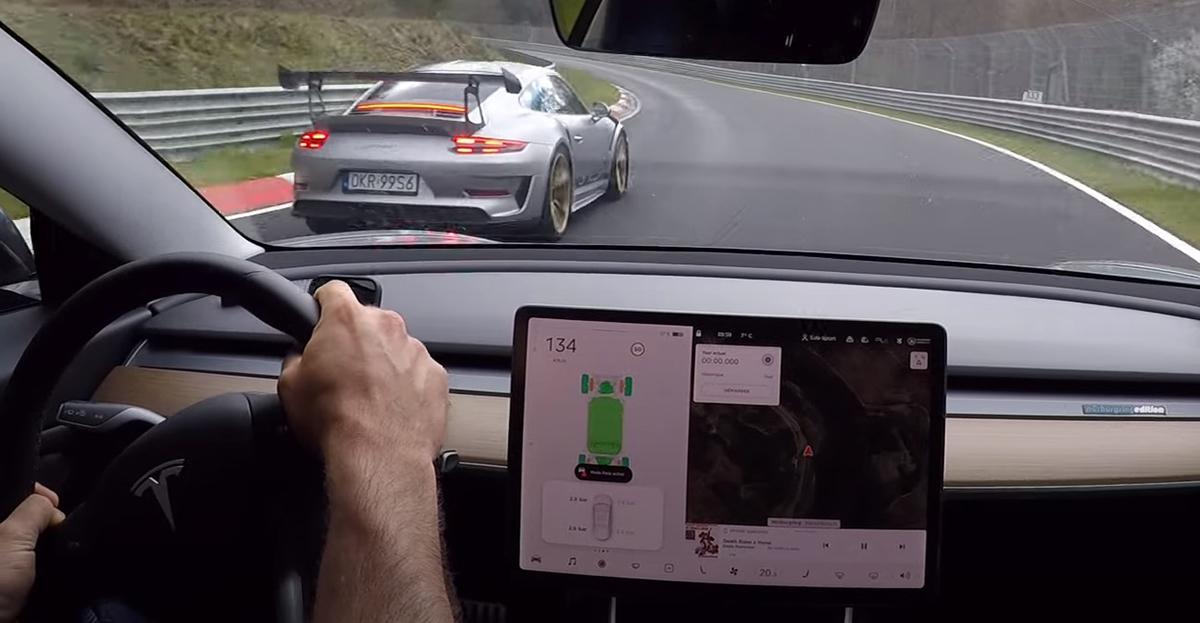Tesla Model 3 vs Porsche 911 GT3 RS 991
