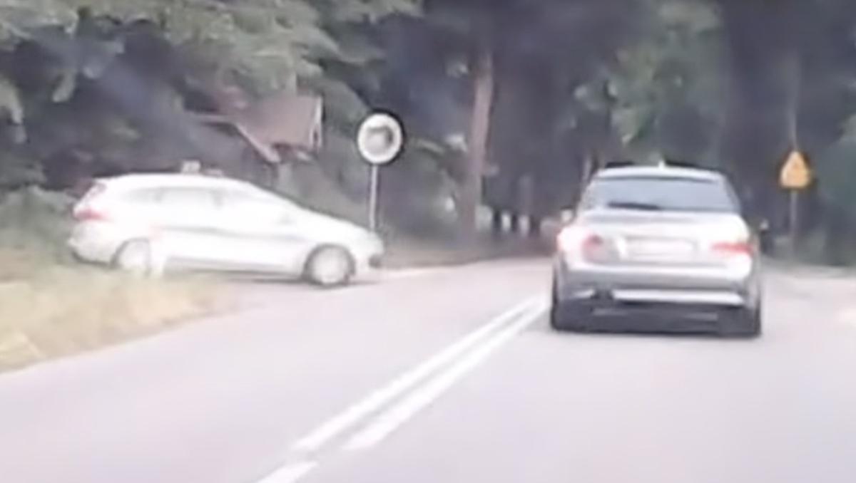 BMW Serii 5 radiowóz Kia Ceed