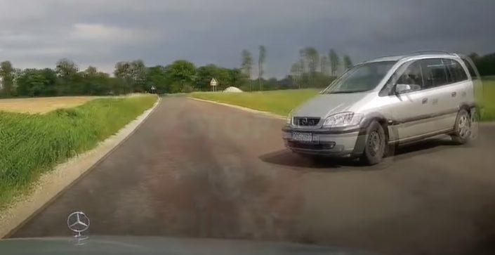 Opel Zafira wymuszenie