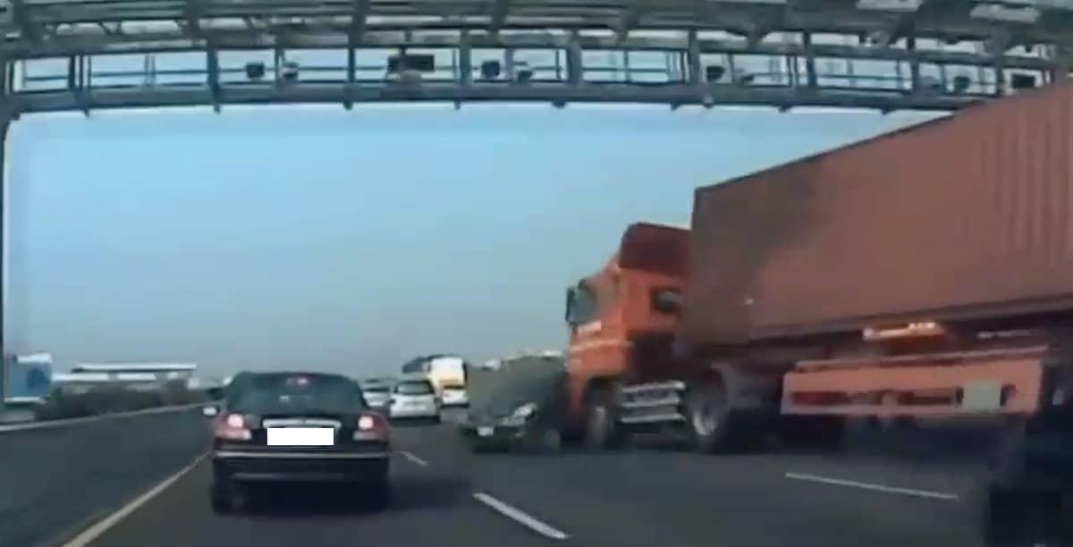 Wypadek autostrada ciężarówka