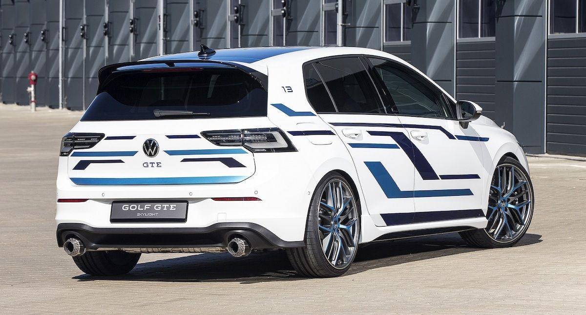 2021 Volkswagen Golf GTE Skylight
