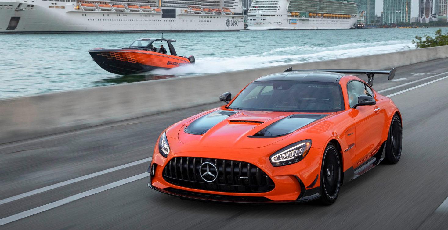 Mercedes-AMG GT Black Series Cigarette Racing Nighthawk