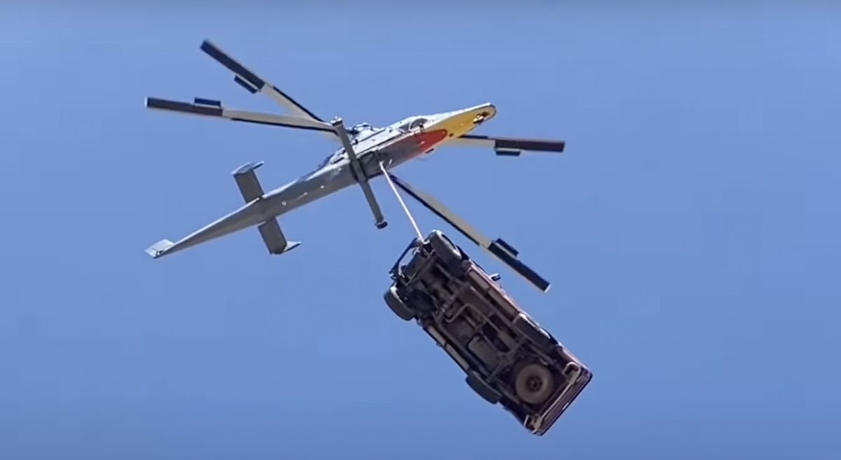 Toyota Hilux helikopter