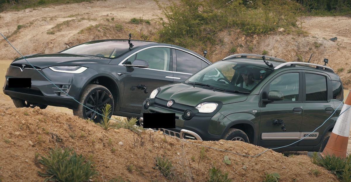 Fiat Panda Cross Tesla Model X
