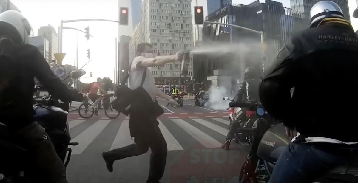 Gaz pieprzowy motocykliści