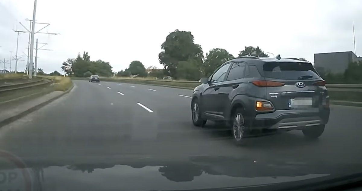 Hyundai Kona wyprzedzanie Gdańsk
