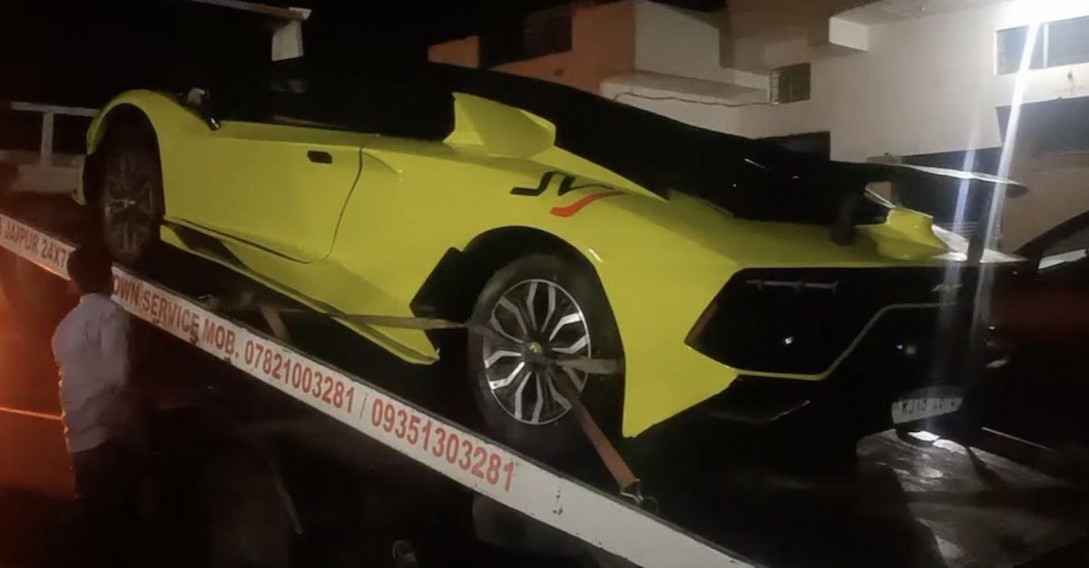 Lamborghini Aventador Honda Civic