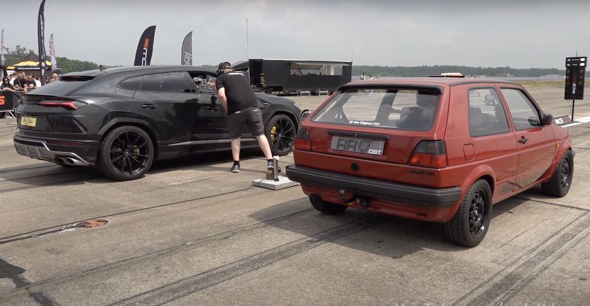 Lamborghini Urus vs Volkswagen Golf 2