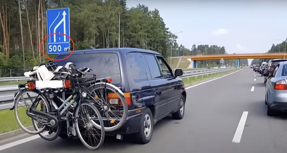 Mazda MPV blokowanie pasa ruchu