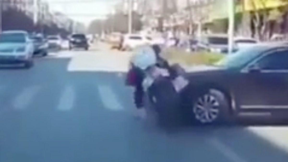 Skuter samochód wypadek