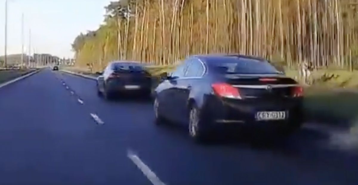 Opel Insignia Renault Laguna szeryf policja