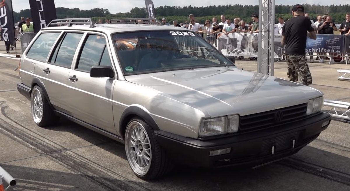 Volkswagen Passat 32b