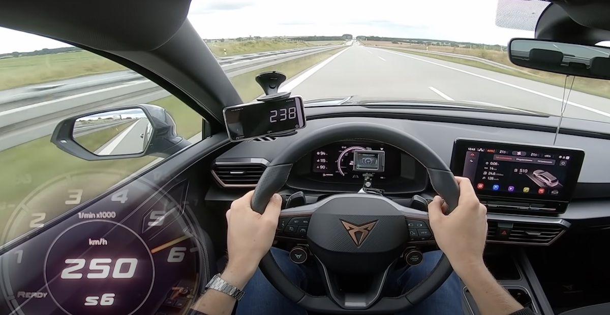 Cupra Leon ST - V-MAX na autostradzie