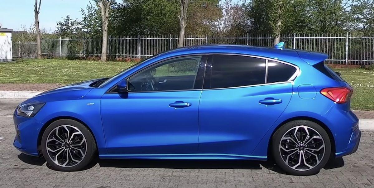 Ford Focus 1.0 EcoBoost 125 KM, niebieski