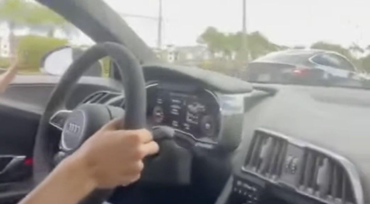 Audi R8 Twin Turbo Tesla Model S