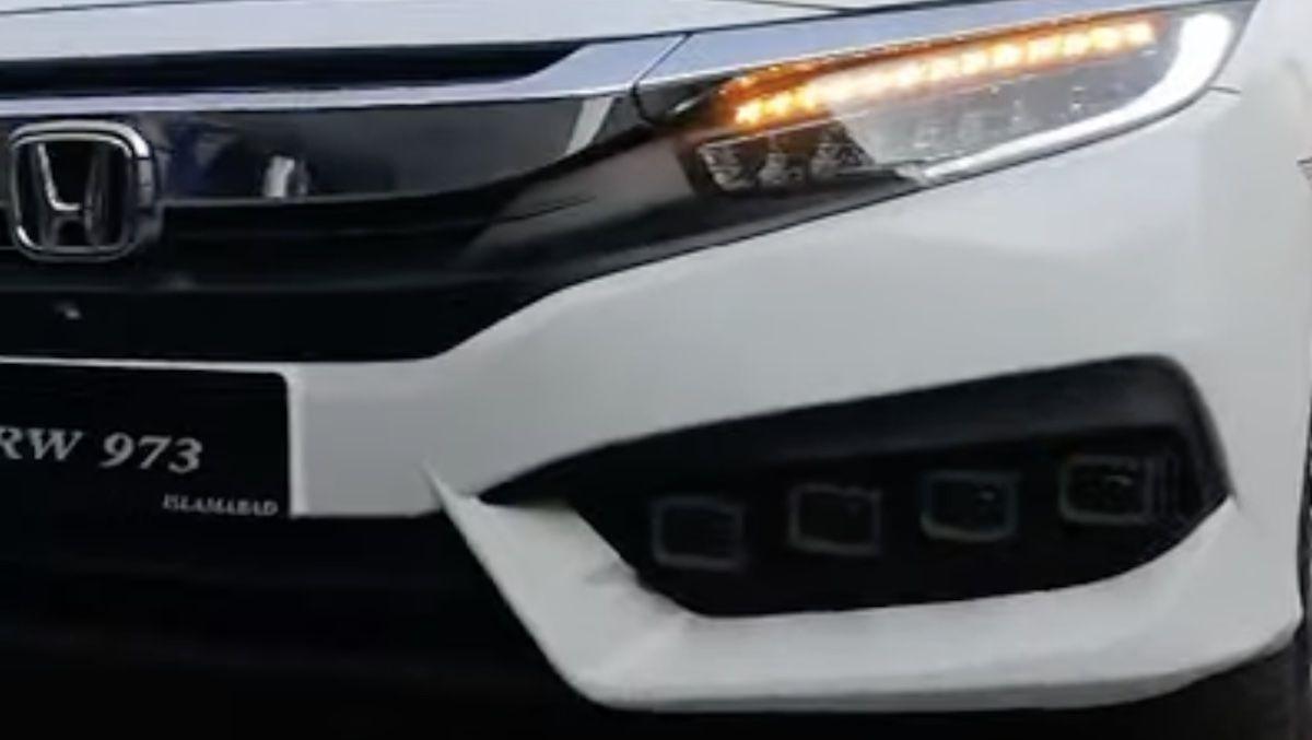 Honda Civic 10 Bugatti Chiron