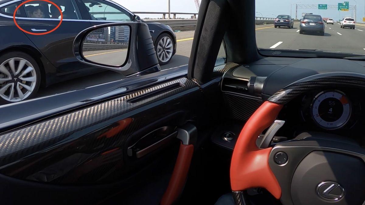 Lexus LFA Tesla Model 3