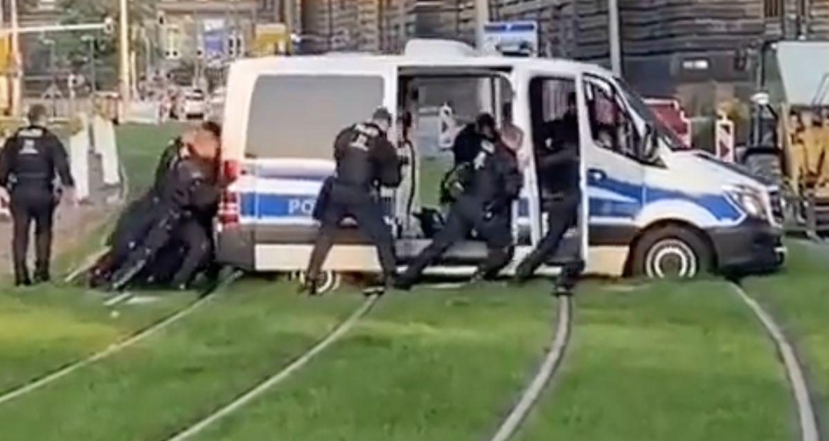 Mercedes Sprinter policja