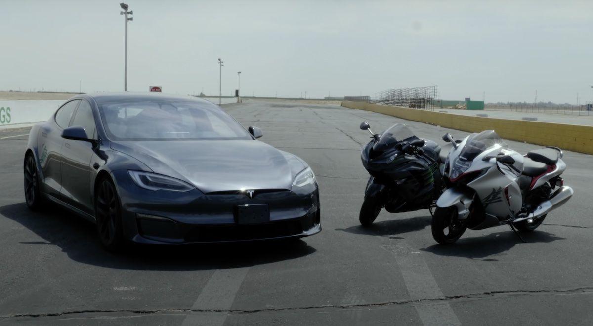 Tesla model S Kawasaki Suzuki