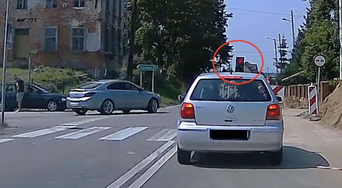 Volkswagen Polo czerwone światło